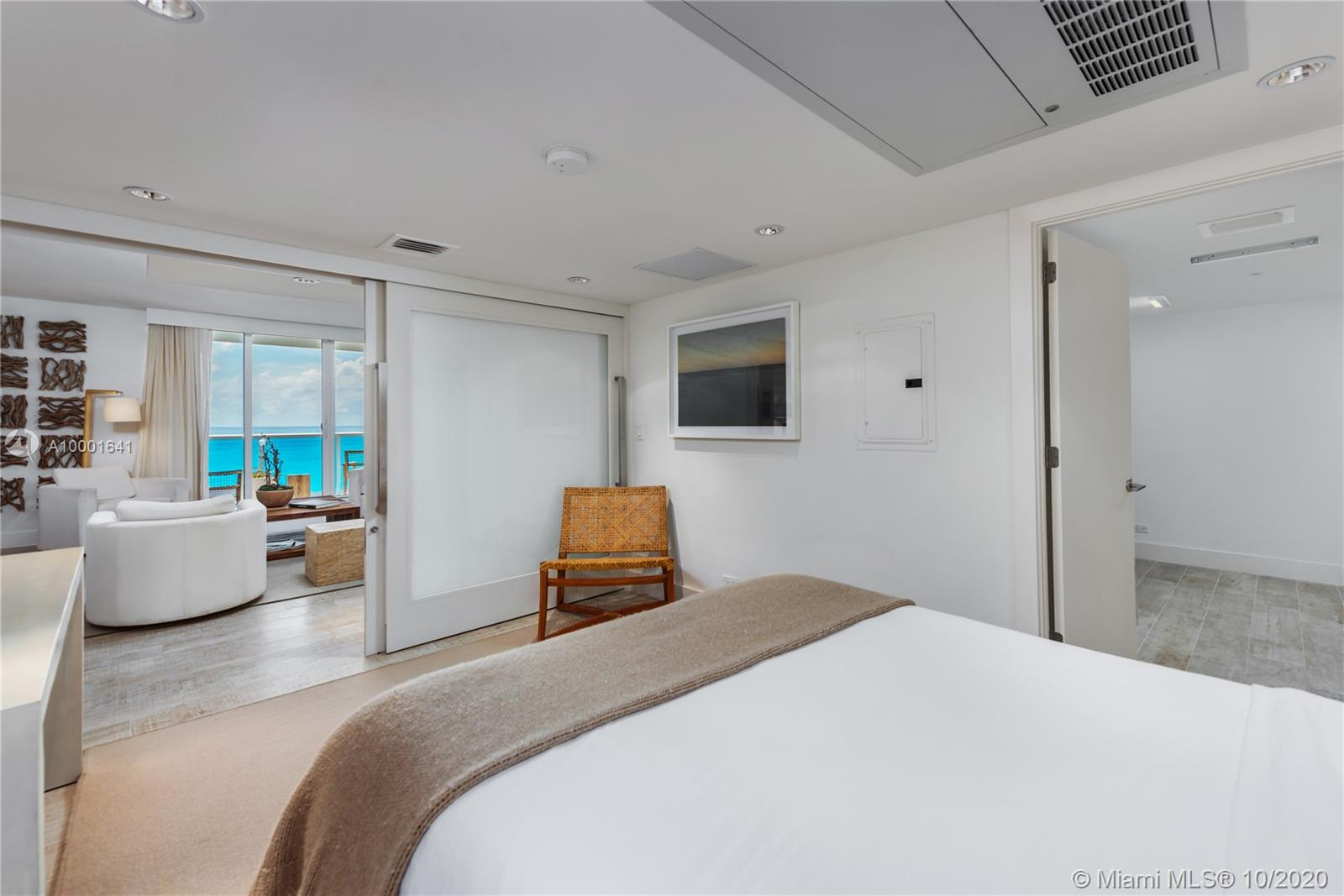 1 Hotel & Homes Unit #1040 | Picture 11