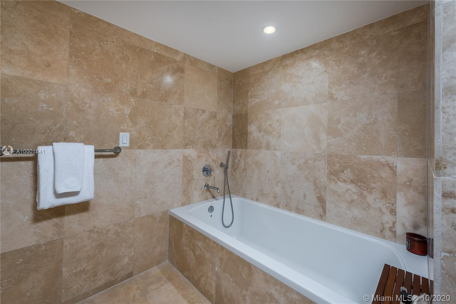 1 Hotel & Homes Unit #1040 | Picture 19
