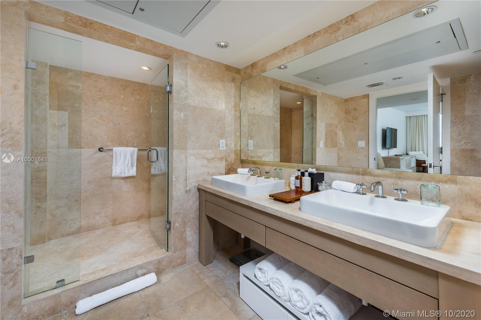 1 Hotel & Homes Unit #1040 | Picture 21