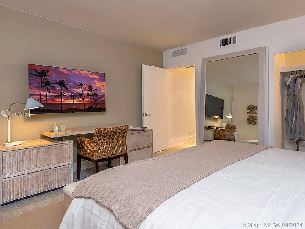 1 Hotel & Homes Unit #1006 | Picture 13