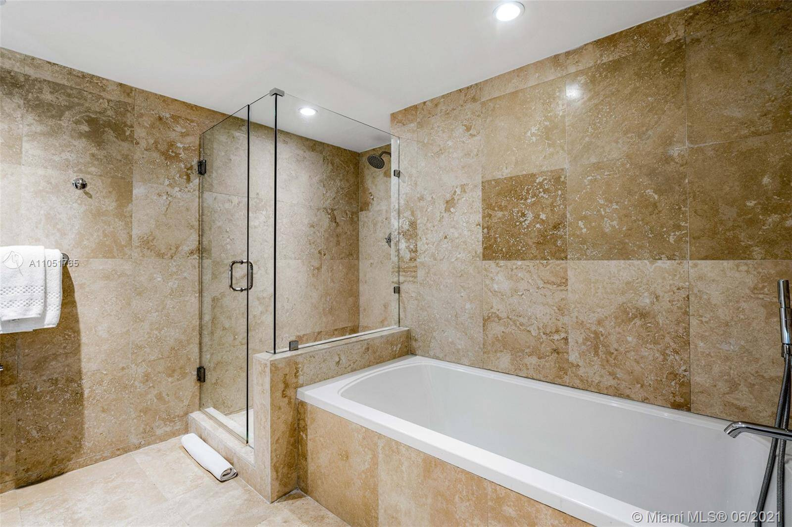 1 Hotel & Homes Unit #1115 | Picture 23