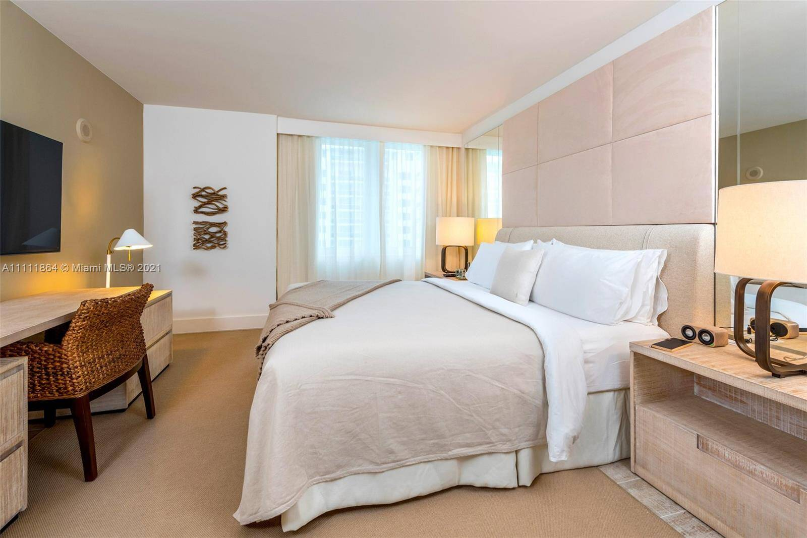 1 Hotel & Homes For Sale| Unit #906