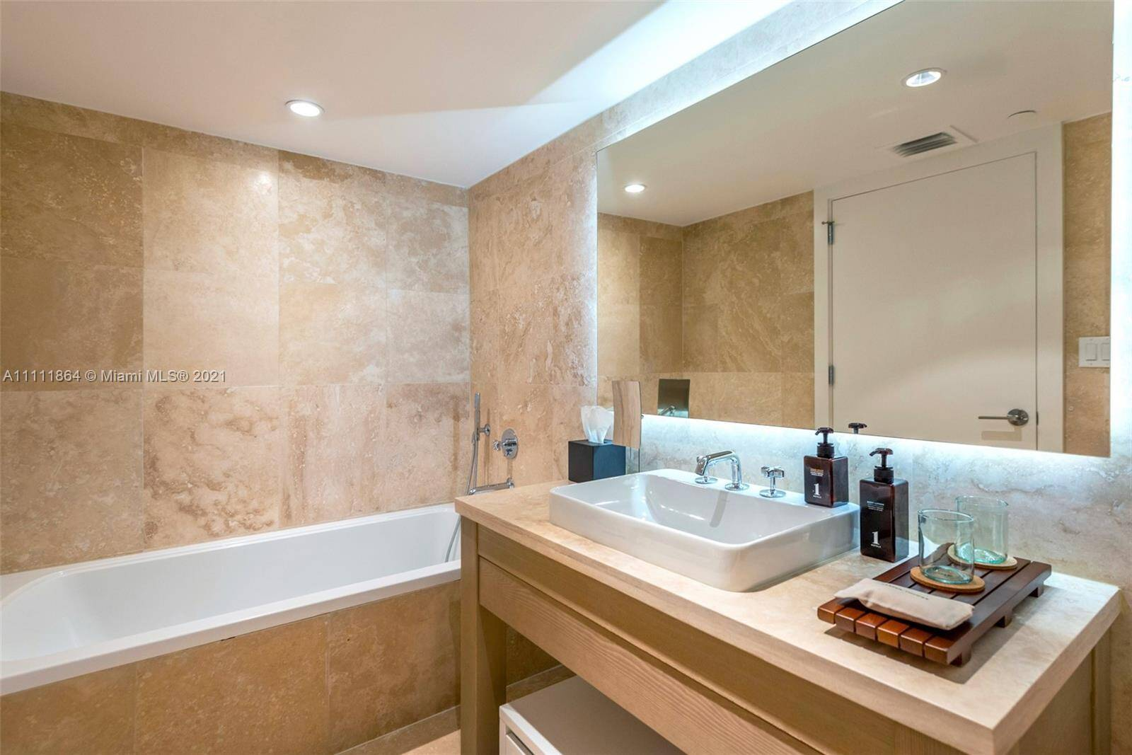 1 Hotel & Homes Unit #906 | Picture 6