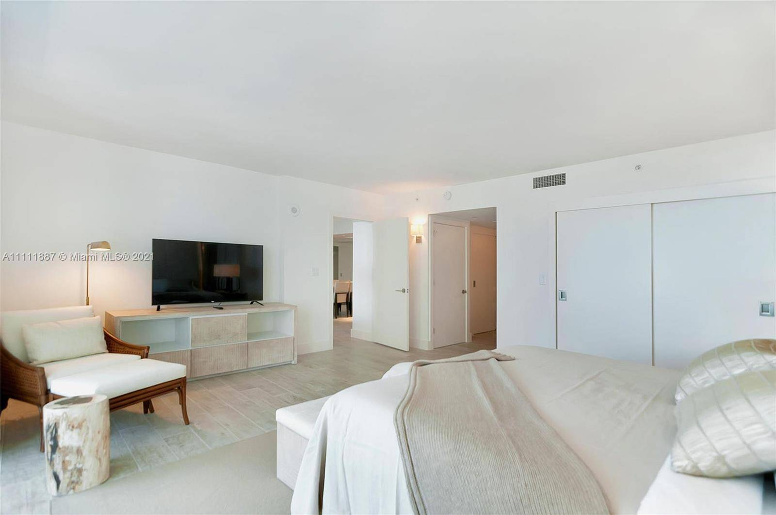 1 Hotel & Homes Unit #919 | Picture 15
