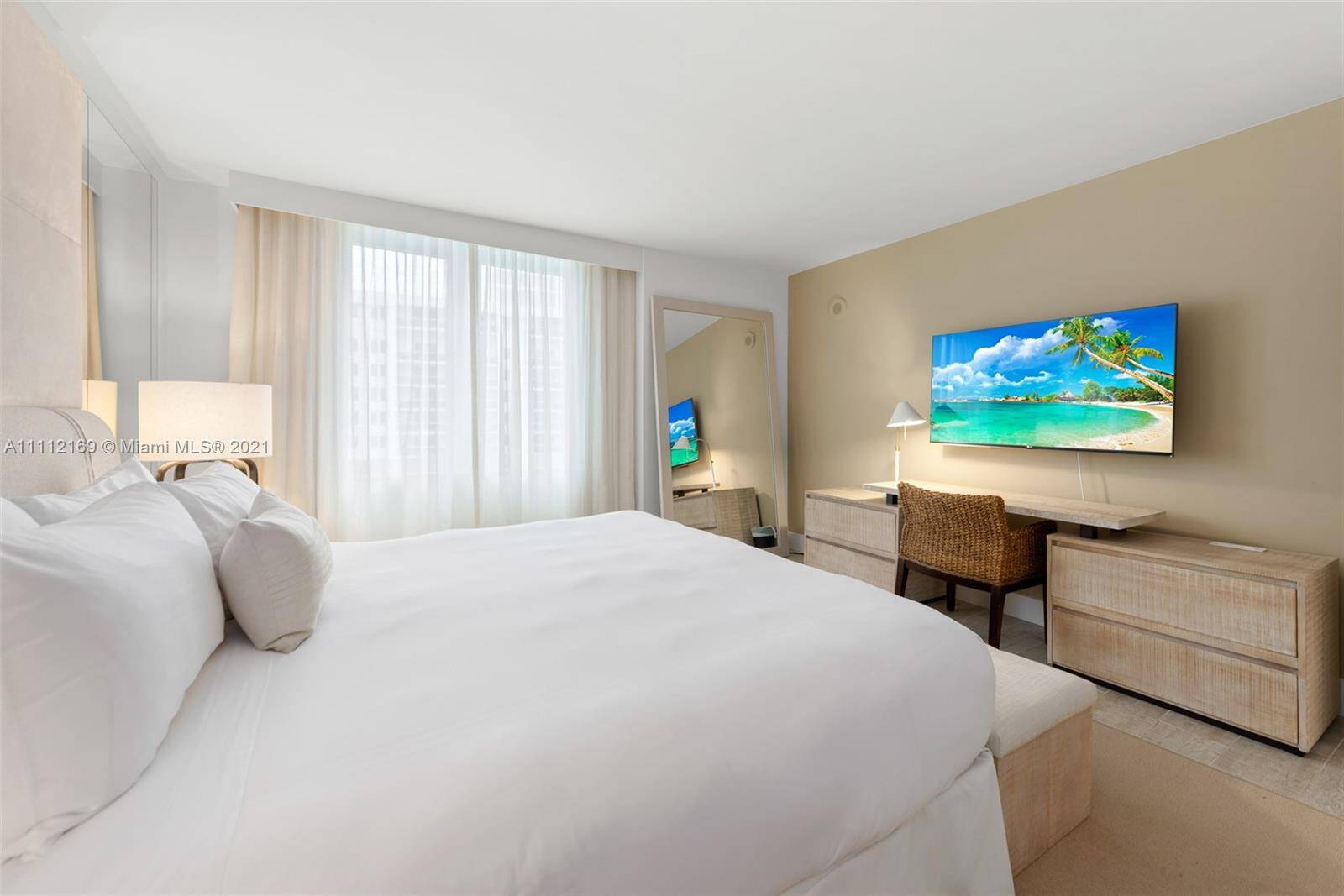 1 Hotel & Homes For Sale| Unit #1211